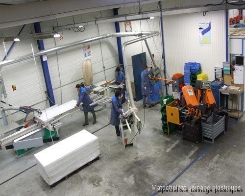 1-atelier-decoupe des plastiques