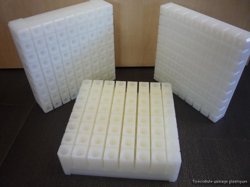 Agroalimentaire industriel : pièces plastiques pour préparation brochettes